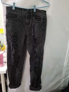 Black boyfriend Jeans with rips