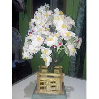 Plnk flower ornament for table top