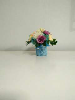 Artificial flowers Arrangement for coffee table