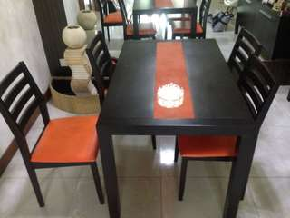 Pre-loved 4-Seater Dining Table