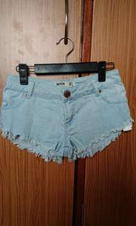 Cotton On 淺藍色洗水 牛仔短褲熱褲