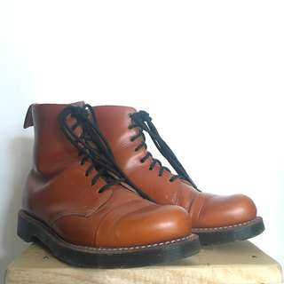 Dr Martens Steel-toe Charlton boots
