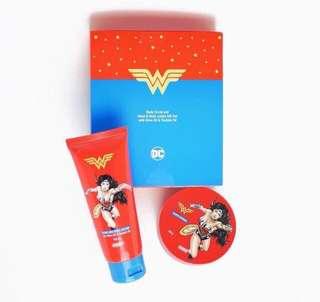 Bundle: Wonder Woman Body Scrub and Hand & Body Lotion Set