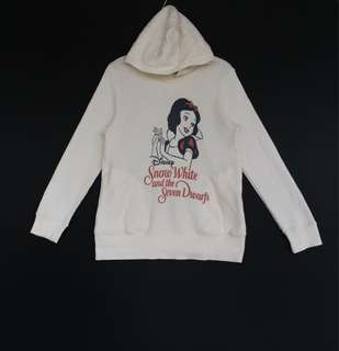 👕Disney Snow White Hoodie By Uniqlo Extra Large Size