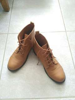 90% new ankle boots