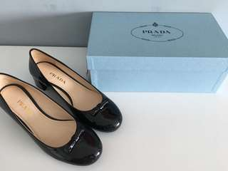 1000% Prada shoes 38.5 worn once