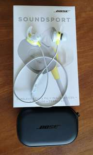 Bose Soundsport Wireless Earphones and Charging Case - Almost new