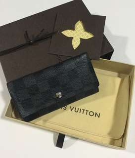 Authentic Louis Vuitton Damier Graphite Triple Key Case N63139 (Price Reduced!)