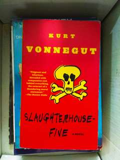 🌟 SLAUGHTERHOUSE FIVE by Kurt Vonnegut