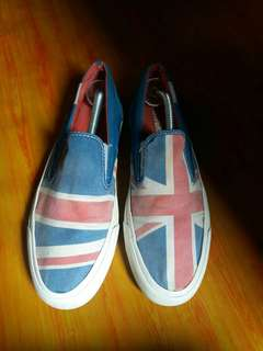 Converse low flag