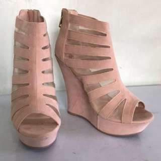 Roman boots suede wedge Nude