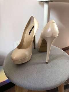Size 5.5 Tony Bianco Heels