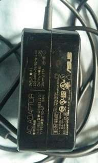 Asus smallpin  charger