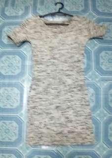 Preloved Dress pinasadya patahi Once lang nasuot .....Color :Gray : Size Small...fit siya sa mga petite and sexy