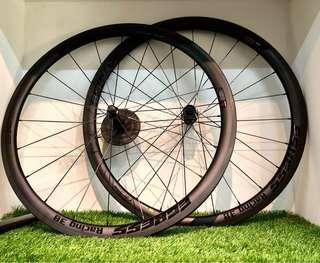 Egress MagRevo carbon wheel