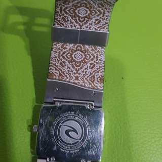 Jam tangan merk Rip Curl kondisi spt baru