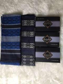 Sarung tenun motif klasik kalimantan dan asmat