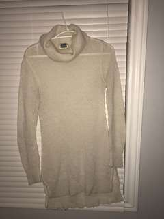 Long cashmere sweater