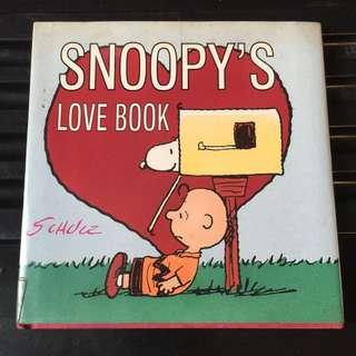 Snoopy love book