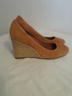 SALE!!AREZZO Wedge Brown Suede Shoes