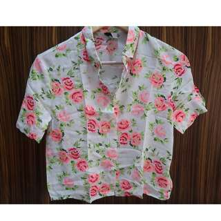 H&M Floral cropped button down top