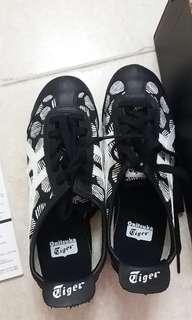 *New* Onitsuka Tiger 鞋
