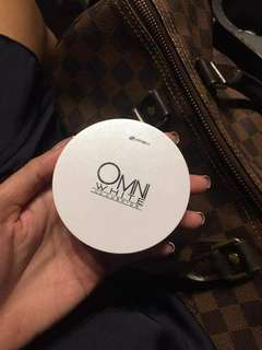 Omni white cc cushion