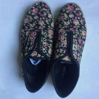 Kluge Flower Shoes