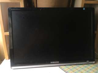 22 INCH COMPUTER MONITOR / 22 INCH LCD MONITOR DEFECTIVE