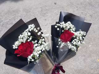 Single stalk red rose with baby's breaths ( in stock)