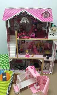 Dollhouse super big