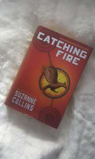 Novel Catching Fire by Suzanne Collins