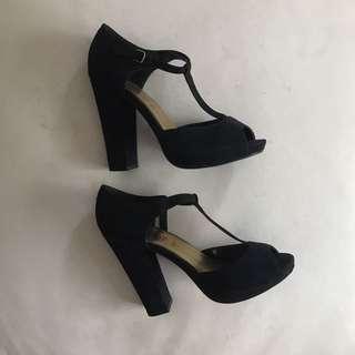 ✨Repriced: New Look Black heels