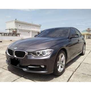 BMW 320i Sport Tahun 2013 At CC 2.0 Abu ABu Metalik Siap Pakai