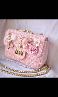 Tweet chain bag with girly elegant style