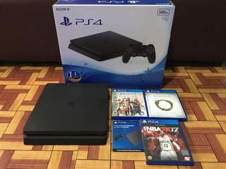 Ps4 slim Complete with 3 games