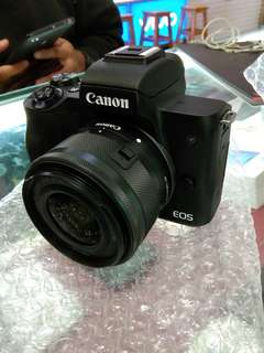 Canon EOS M50 Mirrorless with 15-45mm