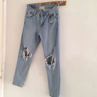Quality Ripped HW Mom Jeans