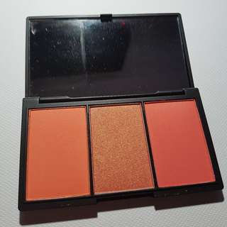 Sleek Blush By 3 Palette in Lace