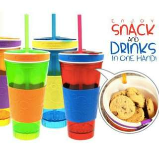Snackeez  Snack & Drink in One Hand