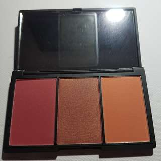Sleek Blush By 3 Palette in Sugar