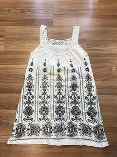 白色印花洋裝(領子針織的喔)