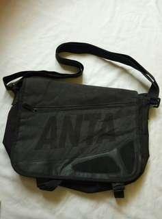 💼Preloved Sling Bag