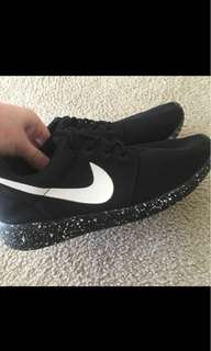 Authentic nike runner