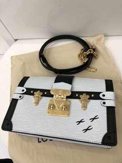 Lv TRUNK 盒子包12x20cm 原价27200