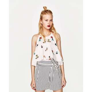 (BN) 💯 Authentic Zara TRF White Embroidered Top with Ruffles size S