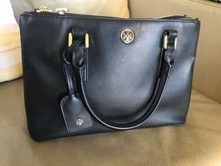 Tory burch bag 95% new only used less than 5 times very good condition