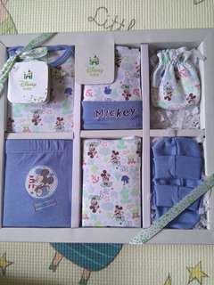 BNIB Baby 6 pc gift set