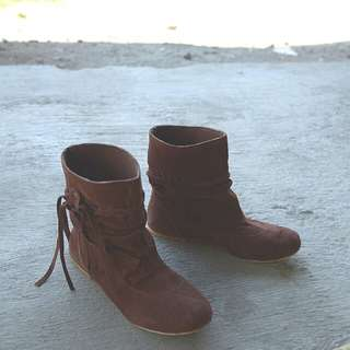Boots shoes woman suede