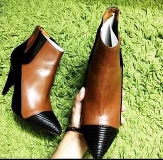 BALENCIAGA ANKLE BOOTS size 39